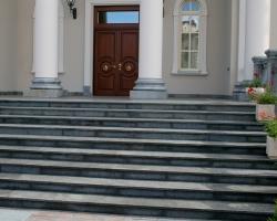 Лестница гранит Сезам Блек
