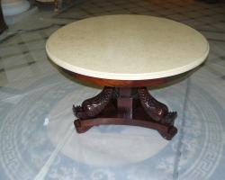 Столешница круглая на столик мрамор Крема валенсия